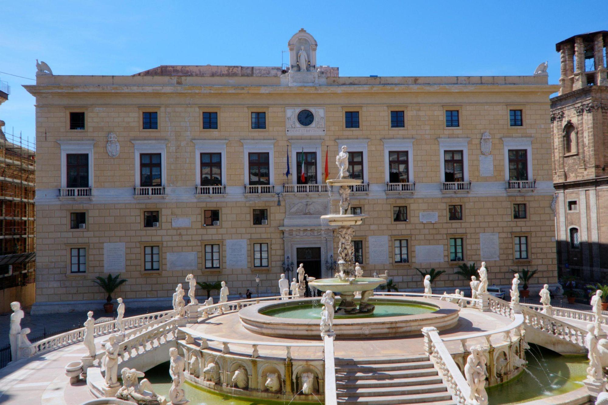 palazzo-delle-aquile-palermo-1-1608651788.jpg