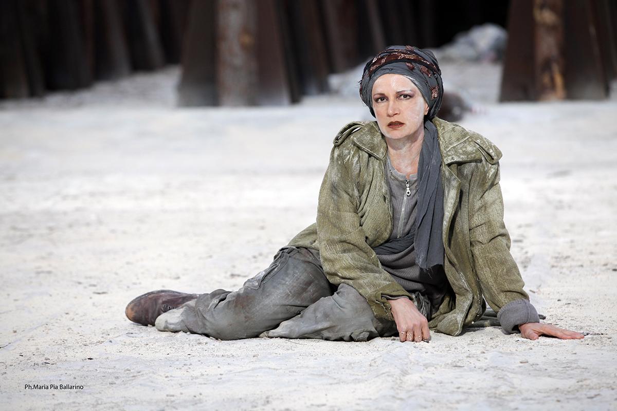INDA e Infiorata di Noto: al Teatro Tina Di Lorenzo un incontro con Maddalena Crippa
