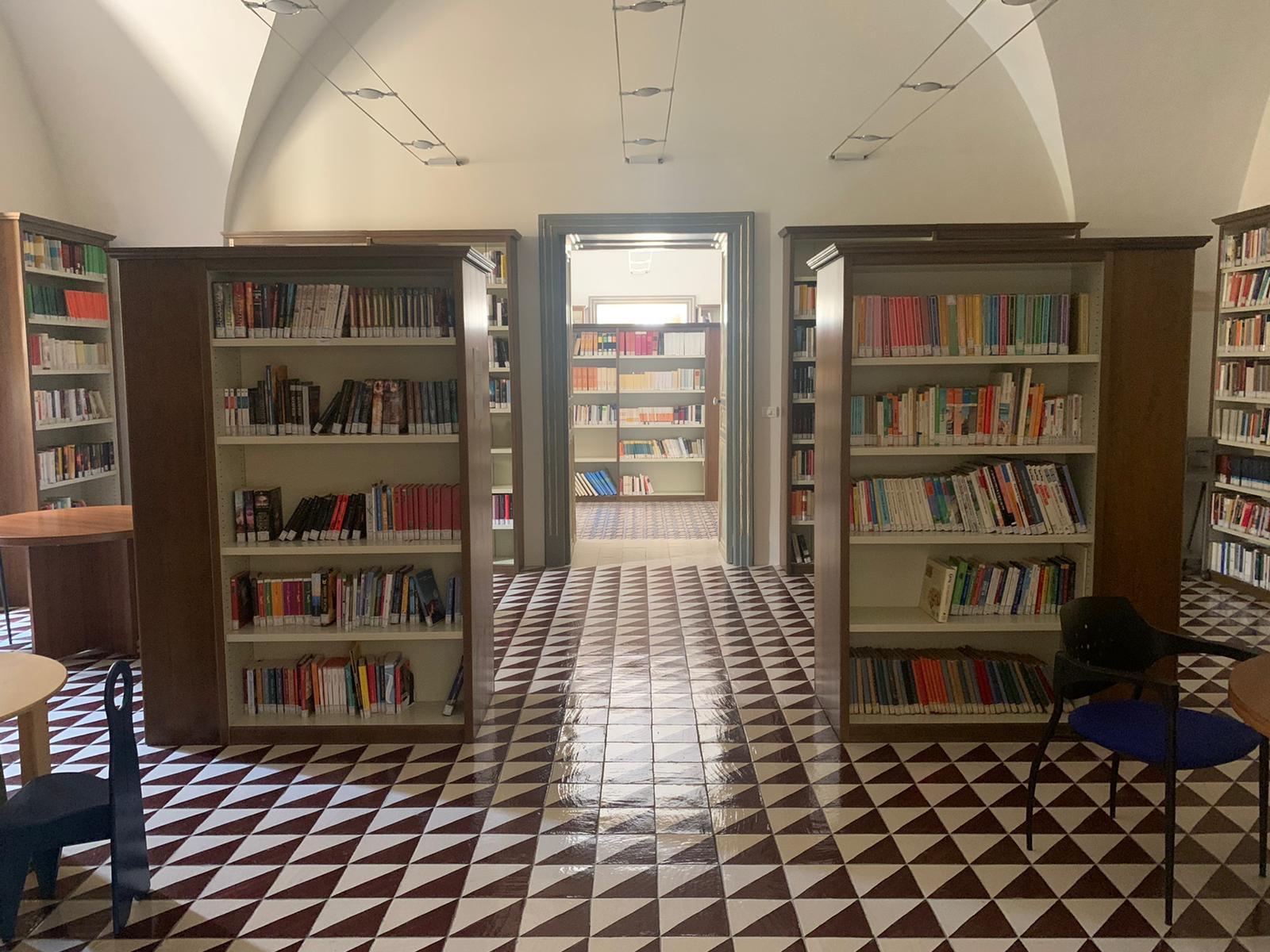 bibliotecacomunale-1595252480.jpeg