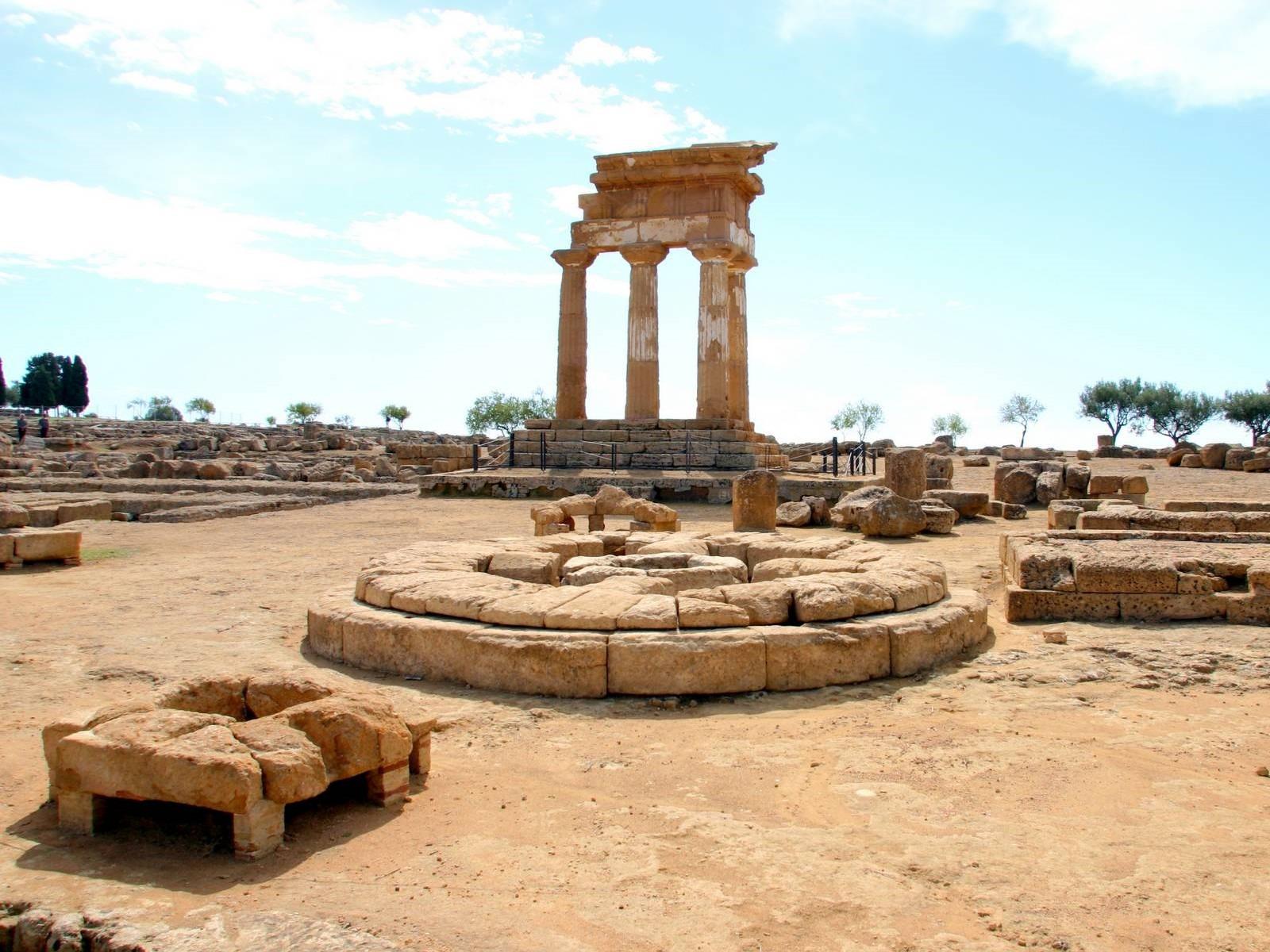 Agrigento: nuova vita all'Olympeion e al Telamone della Valle dei Templi