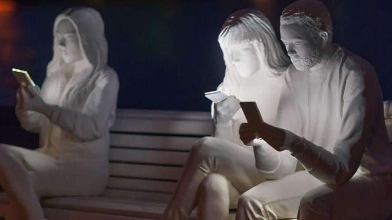 amsterdam-light-festival-scultura-smartphone-lucas-hinz-01-1280x720-1605786886.jpg